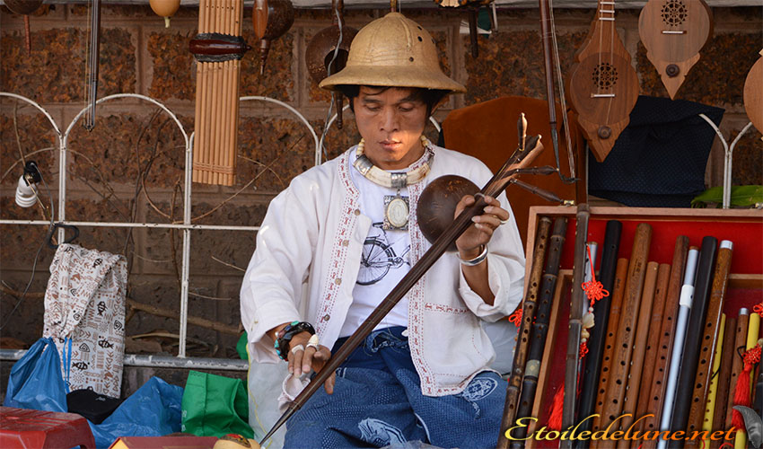 ART THAI_PEINTURE_SCULPTURE (10)