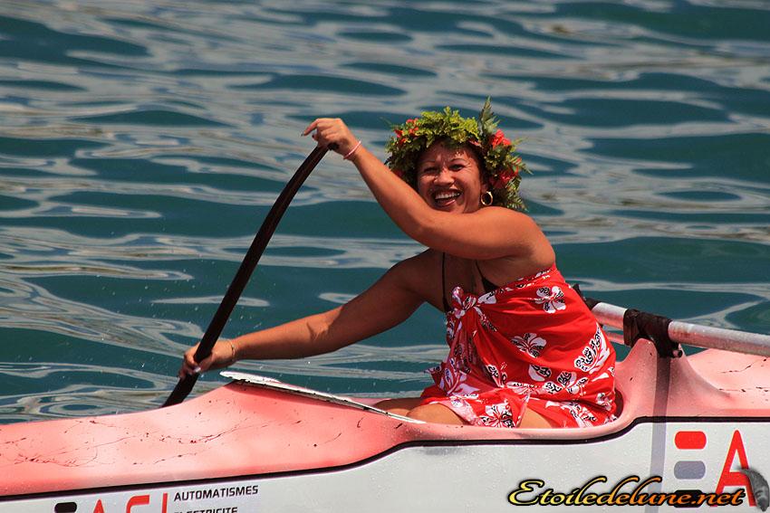 Course de va'a sur le plan d'eau de Nouméa