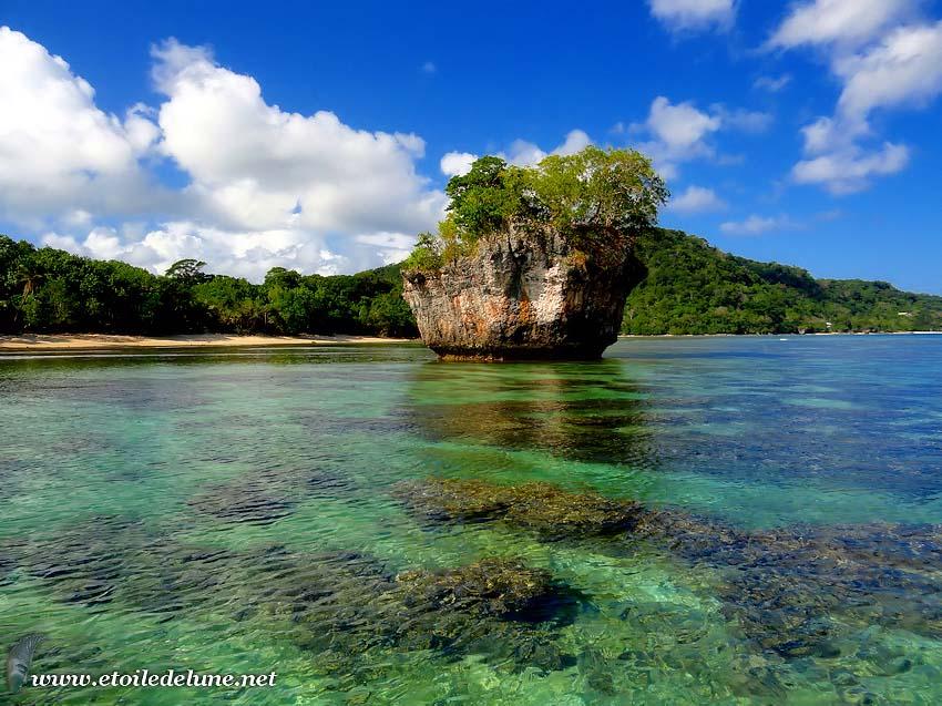 Efate, baie de Port Vila des îlots de charme