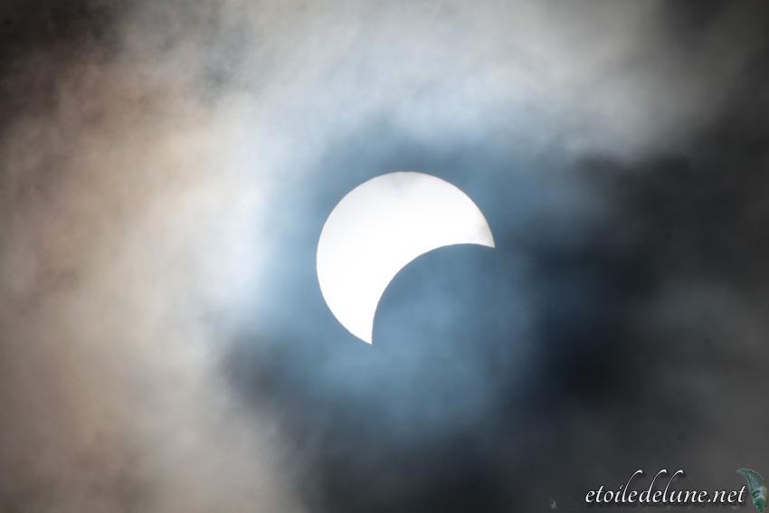 NOUVELLE CALEDONIE eclipse partielle du soleil