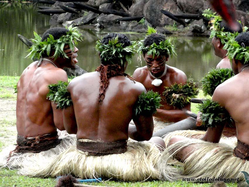 FIDJI : coutumes, danses et histoires