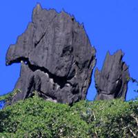 Les falaises de Linderalique