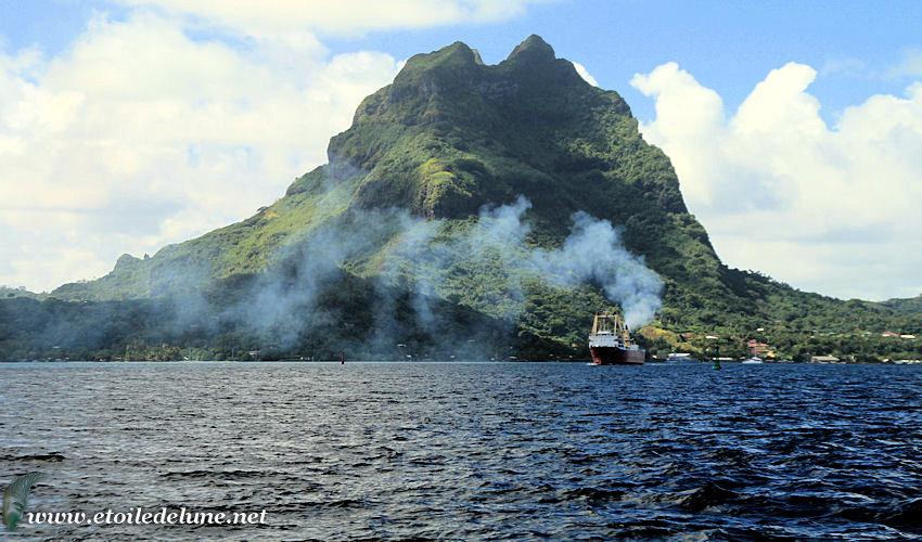 PHOTOS traversée : départ de Bora Bora et premiers milles au large