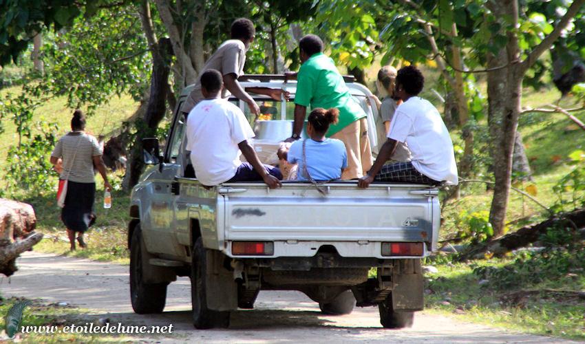 VANUATU : le truck comme moyen de locomotion