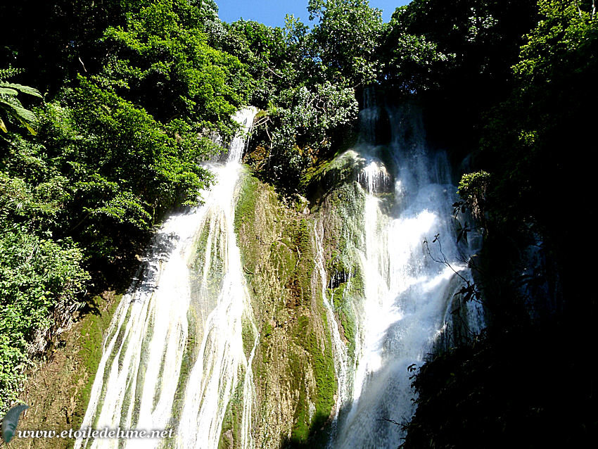 VANUATU : cascade Mele sur l'île d'Efate