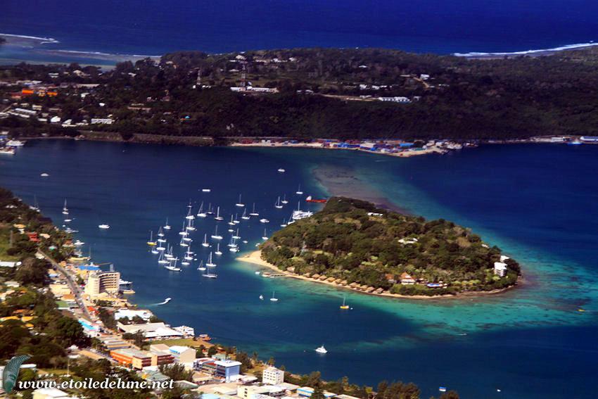 VANUATU : Efate et îles environnantes vues du ciel