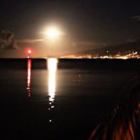 MOOREA : lever de lune sur Tahiti