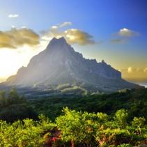 Le Mont Rotui, panorama sur les baies jumelles