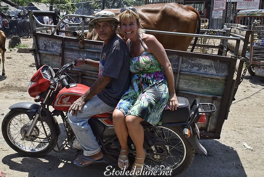 Le marché de Malatapay, dépaysement au pays du sourire