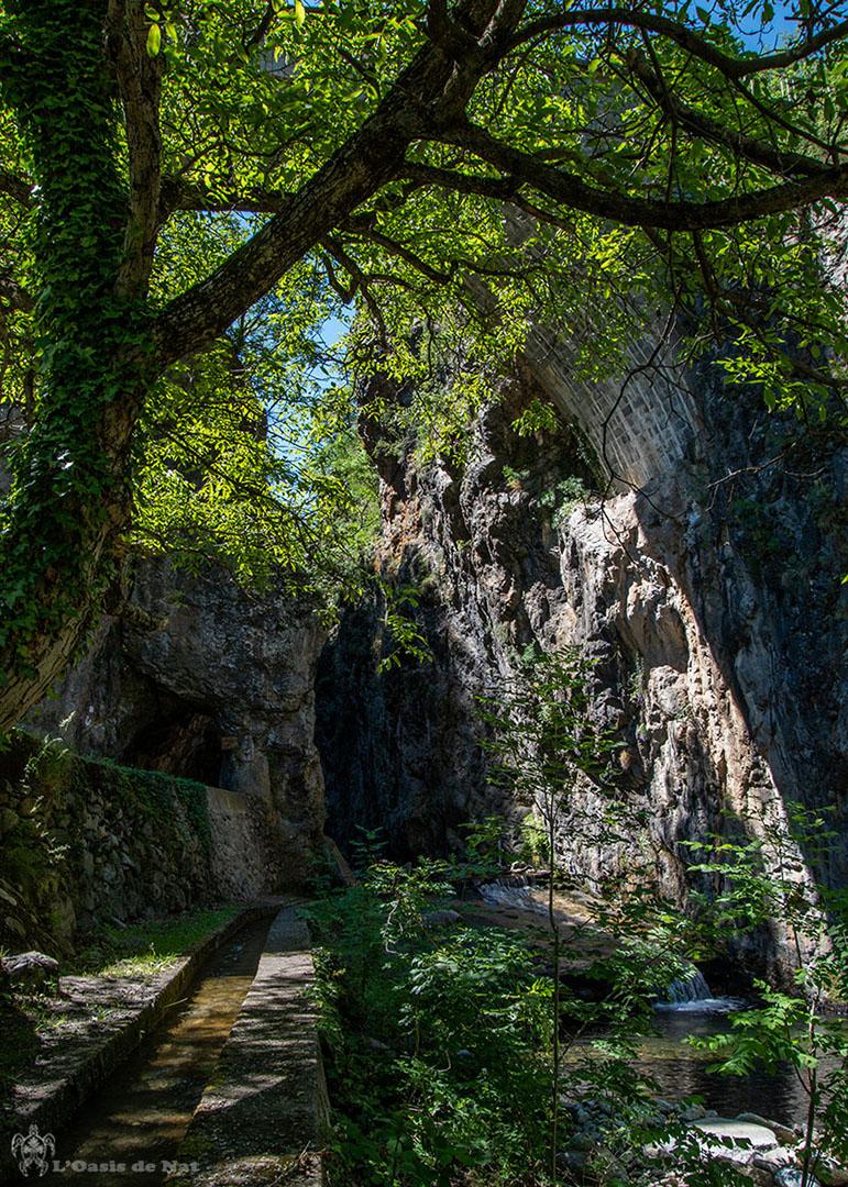 Gorges de la Caranca - Pyrenees orientales - entree - pont - arche